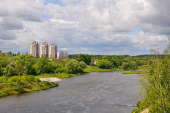 Οι αριστερές όχθεις του ποταμού Neman κοντά στην πόλη Γκρόντνο Belaru Στοκ φωτογραφία με δικαίωμα ελεύθερης χρήσης