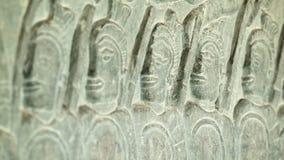 Οι αρχαίες γλυπτικές στους τοίχους Angkor Wat κλείνουν επάνω Καμπότζη, 12ος αιώνας φιλμ μικρού μήκους