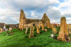 Οι αρχαίες καταστροφές της εκκλησίας του Άγιου Βασίλη ` και του σοβαρού ναυπηγείου Στοκ εικόνα με δικαίωμα ελεύθερης χρήσης