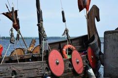 Οι ασπίδες φρούρησαν την πλευρά της βάρκας - ένα παλαιό ρωσικό σκάφος Στοκ φωτογραφίες με δικαίωμα ελεύθερης χρήσης
