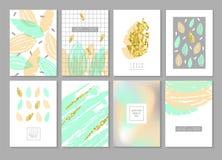 Οι αφηρημένες κάρτες σχεδίου που τίθενται στο χρυσό ακτινοβολούν με τα φύλλα Πρότυπα κάλυψης αφισών πρόσκλησης φυλλάδιων Στοκ Εικόνες