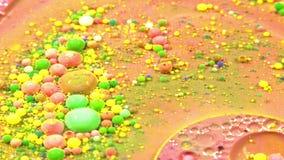 Οι αφηρημένες φυσαλίδες πτώσεων μελανιού εκρήγνυνται τη διάχυση παφλασμών φιλμ μικρού μήκους