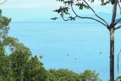 Οι βάρκες πλέουν ήσυχα στοκ εικόνα με δικαίωμα ελεύθερης χρήσης