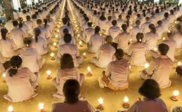 Οι Βουδιστές προσεύχονται ότι ο Βούδας Amitabha το προσανατολισμένο στάδιο φεστιβάλ Στοκ Φωτογραφία