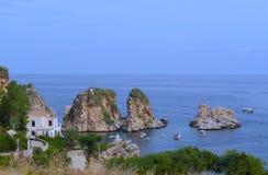Οι βράχοι - δυτική ακτή Scopello - της Σικελίας Στοκ Φωτογραφίες