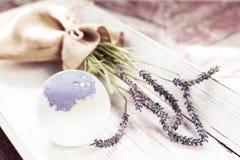 Οι βόμβες λουτρών με lavender ανθίζουν χειροποίητο Στοκ Εικόνα