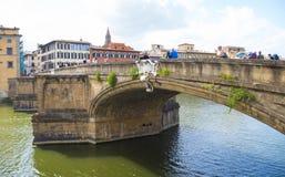 Οι γέφυρες πέρα από τον ποταμό Arno στη Φλωρεντία - τη ΦΛΩΡΕΝΤΙΑ/την ΙΤΑΛΙΑ - 12 Σεπτεμβρίου 2017 Στοκ εικόνα με δικαίωμα ελεύθερης χρήσης