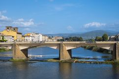 Οι γέφυρες πέρα από τον ποταμό Arno στη Φλωρεντία Στοκ Εικόνες