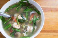 Οι γαρίδες ξινίζουν τη σούπα Στοκ Εικόνα