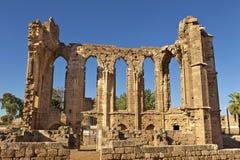 Οι γοτθικές καταστροφές της εκκλησίας του ST John σε Famagusta (Gazimagusa) στη Κύπρο. Στοκ Εικόνα