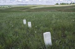 Οι δείκτες παρουσιάζουν όπου οι αμερικανικοί στρατιώτες έπεσαν κατά τη διάρκεια της μάχης λίγου Bighorn στοκ εικόνες με δικαίωμα ελεύθερης χρήσης