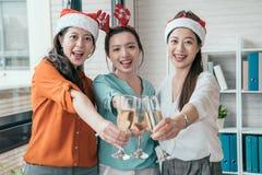 Οι δημιουργικοί άνθρωποι της Ασίας γιορτάζουν τις διακοπές Στοκ Φωτογραφίες