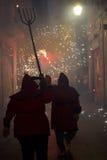 οι διάβολοι βάζουν φωτιά Στοκ Φωτογραφία