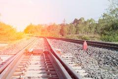 Οι διαδρομές σιδηροδρόμου απαριθμούν κοντά επάνω Στοκ Φωτογραφία