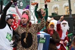 Οι δρομείς στα παραδοσιακά Χριστούγεννα Vilnius συναγωνίζονται στοκ εικόνες