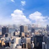 Οι εικονικές παραστάσεις πόλης του Τόκιο, εναέρια άποψη ουρανοξυστών πόλεων του γραφείου χτίζουν Στοκ εικόνες με δικαίωμα ελεύθερης χρήσης