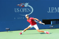 Οι επαγγελματικές πρακτικές Novak Djokovic τενιστών για τις ΗΠΑ ανοίγουν το 2013 Στοκ εικόνες με δικαίωμα ελεύθερης χρήσης