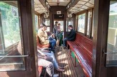 Οι επιβάτες οδηγούν σε ένα παλαιό εκλεκτής ποιότητας τραμ Sanok sw-1 στο γκαράζ στην αποθήκη σε Lviv Στοκ φωτογραφίες με δικαίωμα ελεύθερης χρήσης