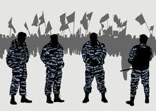 οι επιδεικνύοντες αναγκάζουν την αστυνομία Στοκ Εικόνες