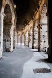 Οι εσωτερικές αψίδες του ρωμαϊκού Colosseum Στοκ Εικόνες