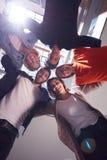Οι ευτυχείς σπουδαστές γιορτάζουν Στοκ Εικόνα