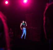 Οι ΕΥΤΥΧΕΙΣ ΔΕΥΤΕΡΕΣ ομάδας εκτελούν το onstage Στοκ Εικόνες