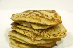 Οι εύγευστες τηγανισμένες τηγανίτες πατατών συσσωρεύονται, τρόφιμα, διατροφή στοκ φωτογραφία με δικαίωμα ελεύθερης χρήσης