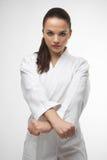 Οι ελκυστικές νέες προκλητικές γυναίκες karate θέτουν Στοκ φωτογραφία με δικαίωμα ελεύθερης χρήσης