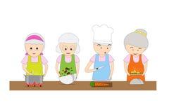 Οι ηληκιωμένοι και οι γυναίκες μαθαίνουν το μαγείρεμα, τις σούπες, τις σαλάτες και τα τηγανισμένα τρόφιμα Στοκ Φωτογραφία