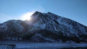 οι ημέρες altai διαρκούν το καλοκαίρι βουνών στοκ φωτογραφίες με δικαίωμα ελεύθερης χρήσης