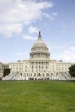 Οι ΗΠΑ Capitol στο ΣΥΝΕΧΈΣ ΡΕΎΜΑ της Ουάσιγκτον. Στοκ Εικόνα