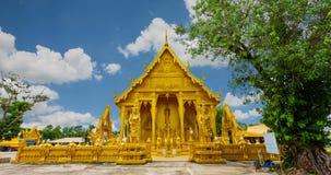 Οι θρησκευτικές περιοχές που καταπλήσσουν τον απαρατήρητο γύρο Ταϊλάνδη Wat Paknam Jolo είναι ένας χρυσός ναός απόθεμα βίντεο
