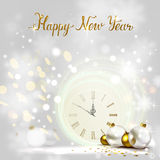 Οι διακοπές λάμπουν ελαφρύ υπόβαθρο και εορταστικά μπιχλιμπίδια Νέα μεσάνυχτα έτους στο ρολόι απεικόνιση αποθεμάτων