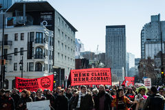 Οι διαμαρτυρόμενοι παίρνουν τον έλεγχο των οδών Στοκ εικόνες με δικαίωμα ελεύθερης χρήσης