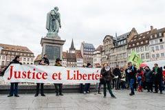 Οι διαμαρτυρόμενοι σύλλεξαν στο pla της τετραγωνικής κυβέρνησης διαμαρτυρίας Kleber Στοκ Εικόνα