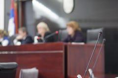 Οι δικαστές στο δικαστήριο στεγάζουν στοκ εικόνες