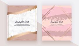 Οι κάρτες με τη ρόδινη βούρτσα watercolor κτυπούν τη σύσταση, χρυσό κομφετί στη μαρμάρινη σύσταση Καθιερώνοντα τη μόδα πρότυπα γι ελεύθερη απεικόνιση δικαιώματος