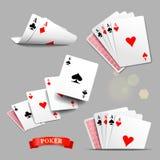 οι κάρτες ξεπλένουν το πόκερ παιχνιδιού βασιλικό Τέσσερις άσσοι που παίζουν τις κάρτες πολικό καθορισμένο διάνυσμα καρδιών κινούμ Στοκ Εικόνες