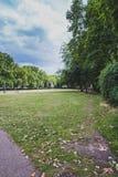 Οι κήποι δίπλα στο παλάτι του πύργου του Γουέστμινστερ και Big Ben Στοκ Φωτογραφία