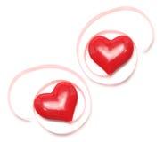οι καρδιές δώρων αγαπούν τις κορδέλλες Στοκ φωτογραφίες με δικαίωμα ελεύθερης χρήσης