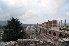 Οι καταστροφές εκκλησιών και οι τουρίστες Στοκ φωτογραφίες με δικαίωμα ελεύθερης χρήσης