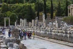 Οι καταστροφές της αρχαίας παλαιάς πόλης Ephesus η οικοδόμηση βιβλιοθηκών του Κέλσου, των ναών αμφιθεάτρων και των στηλών υποψήφι Στοκ φωτογραφία με δικαίωμα ελεύθερης χρήσης