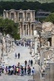 Οι καταστροφές της αρχαίας παλαιάς πόλης Ephesus η οικοδόμηση βιβλιοθηκών του Κέλσου, των ναών αμφιθεάτρων και των στηλών Υποψήφι Στοκ εικόνες με δικαίωμα ελεύθερης χρήσης