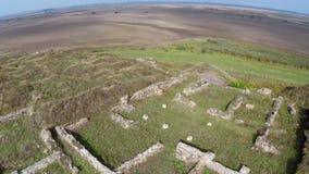 Οι καταστροφές της αρχαίας geto-Dacian τακτοποίησης Dinogetia, εναέρια άποψη απόθεμα βίντεο