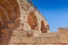 Οι καταστροφές της αψίδας Hadrain's σε Jerach, Ιορδανία, θερινός χρόνος Στοκ Φωτογραφίες