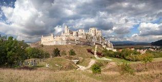 Οι καταστροφές του μεσαιωνικού κάστρου Beckov Στοκ Εικόνα