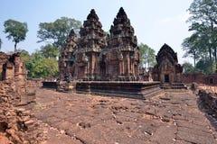 Οι καταστροφές του ναού Banteay Srei σε Siem συγκεντρώνουν, Καμπότζη Στοκ Εικόνες