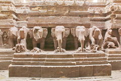 Οι καταστροφές του ναού Kailasa, ανασκάπτουν τις Νο 16, σπηλιές Ellora, Ινδία Στοκ εικόνα με δικαίωμα ελεύθερης χρήσης