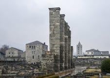 Οι καταστροφές του παλαιού ρωμαϊκού θεάτρου που χτίζεται προς το τέλος βασιλεύουν του Augustus σε Aosta, Ιταλία Στοκ Εικόνες