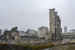 Οι καταστροφές του παλαιού ρωμαϊκού θεάτρου που χτίζεται προς το τέλος βασιλεύουν του Augustus σε Aosta, Ιταλία Στοκ φωτογραφία με δικαίωμα ελεύθερης χρήσης